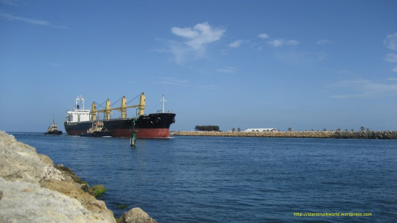 Cargo-Ship-Fremantle-Jan-2014
