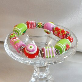 strawberry bracelet1