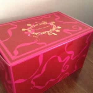 Estee Lauder box
