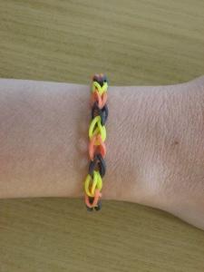 Rainbow_Loom_rubber_bracelet