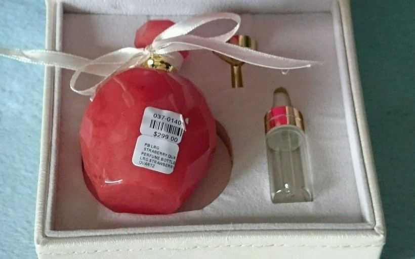 strawberryquartz-perfume_bottle-2